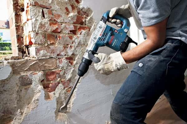 снятие штукатурки со стены