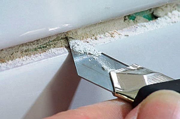 снятие затирки между швами плитки