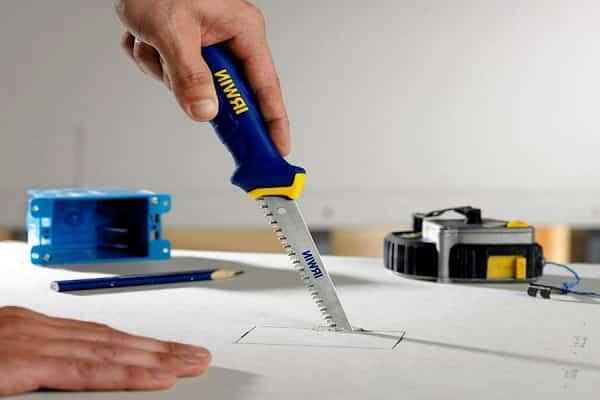 как в гипсокартоне сделать прямоугольное отверстие ножовкой