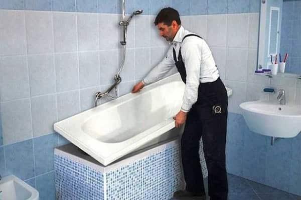 как обновить покрытие чугунной ванны при помощи акрилового вкладыша