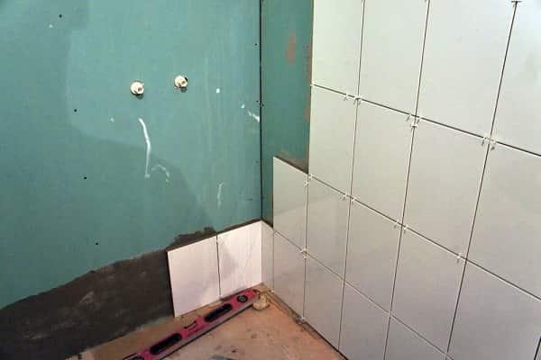как укладывать плитку на гипсокартон в ванной комнате своими руками