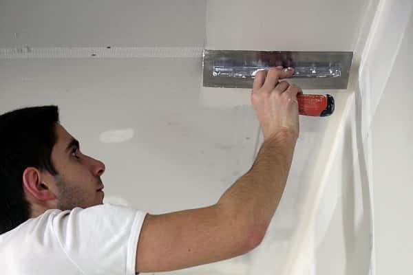 как шпаклевать гипсокартонный потолок