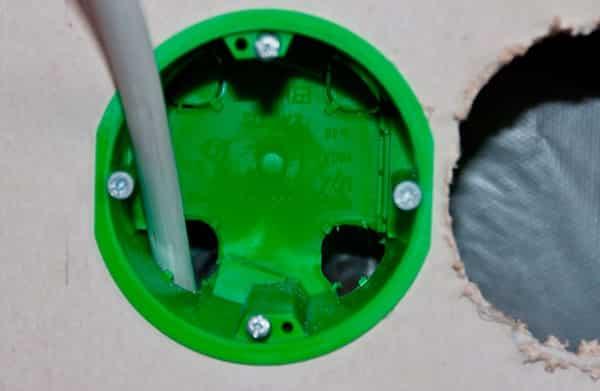 как установить подрозетник в гипсокартон: монтаж двойной коробки