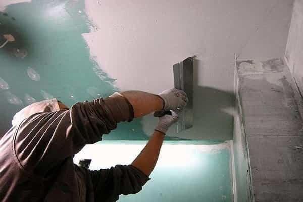 как шпаклевать гипсокартонный потолок своими руками правильно