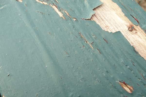 как снять старую краску с деревянного пола своими руками правильно