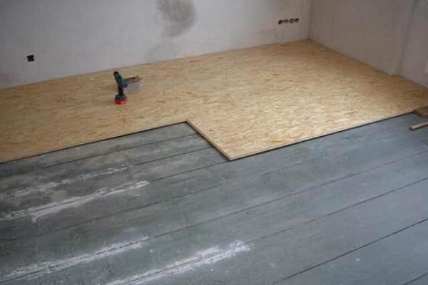 как правильно положить плитку на деревянный пол: укладка фанеры