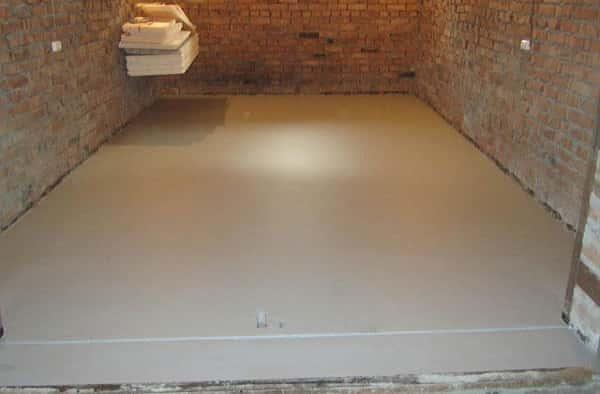 как сделать бетонную стяжку в гараже должным образом