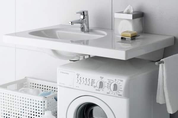 как установить умывальник над стиральной машиной должным образом