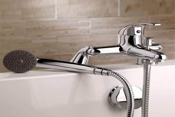 как правильно выбрать смеситель для ванной однорычажный