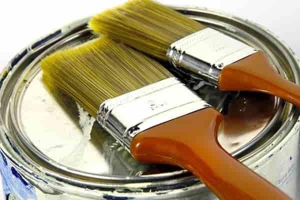 чем покрасить фанеру на полу дома