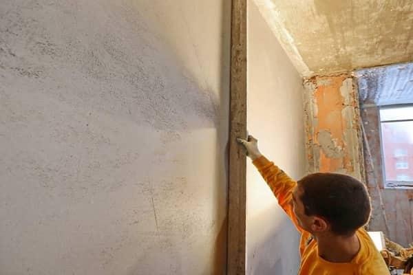 как выровнять стены без маяков своими руками дома