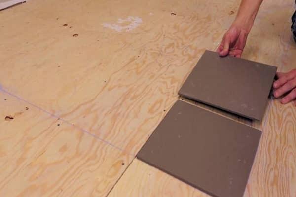 как положить плитку на фанеру на пол качественно