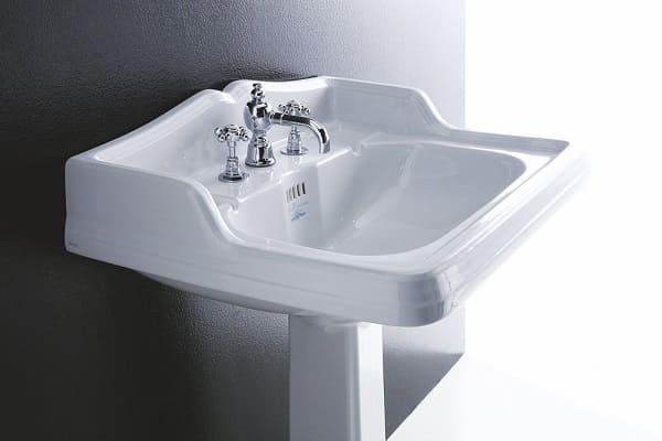 как установить раковину с пьедесталом в ванной