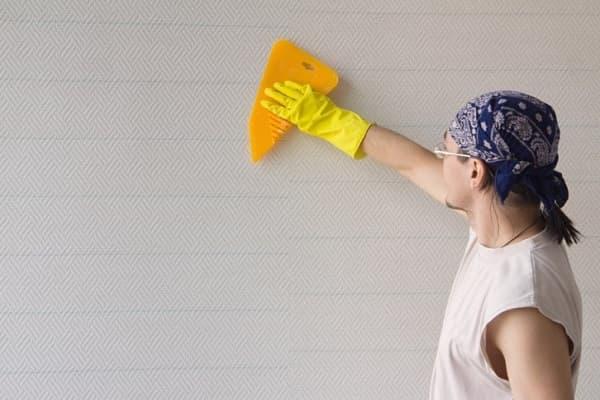 как наклеить обои под покраску на стены своими руками