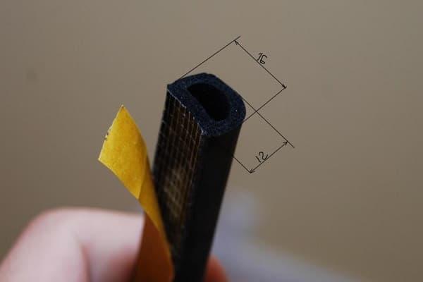 как выбрать уплотнитель для входной металлической двери