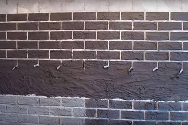 как сделать имитацию кирпичной кладки на стене качественно