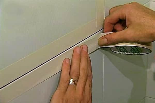 как заделать швы между плиткой в ванной: подготовительные мероприятия