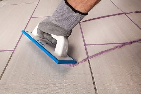 как заделать швы между плиткой в ванной комнате