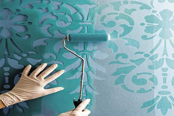 как покрасить стены в ванной своими руками должным образом