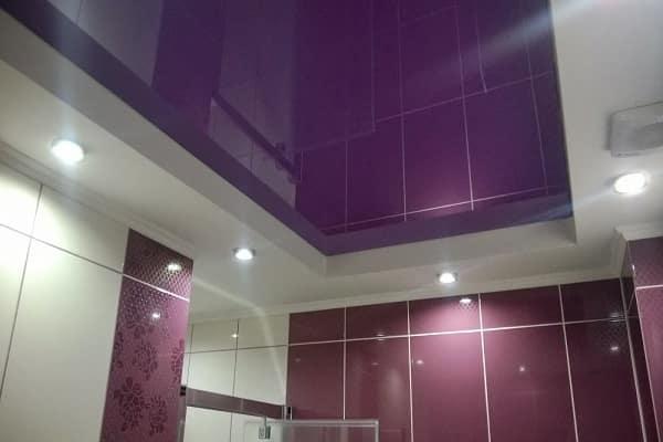 какой натяжной потолок выбрать для ванной