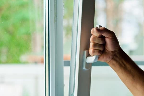 как самому установить пластиковое окно в доме должным образом
