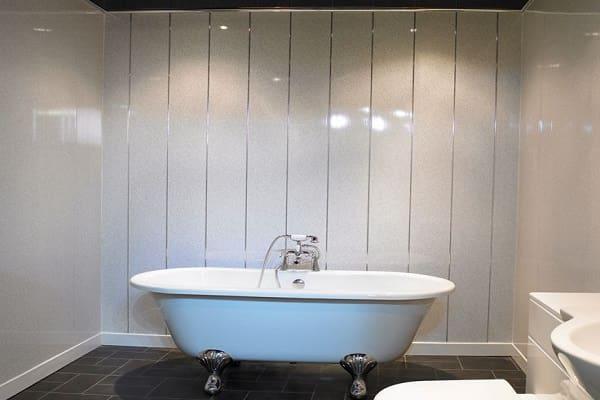 как обшить стены пластиковыми панелями в ванной комнате