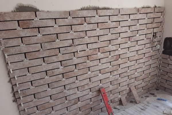 как укладывать клинкерную плитку на стену: укладка материала