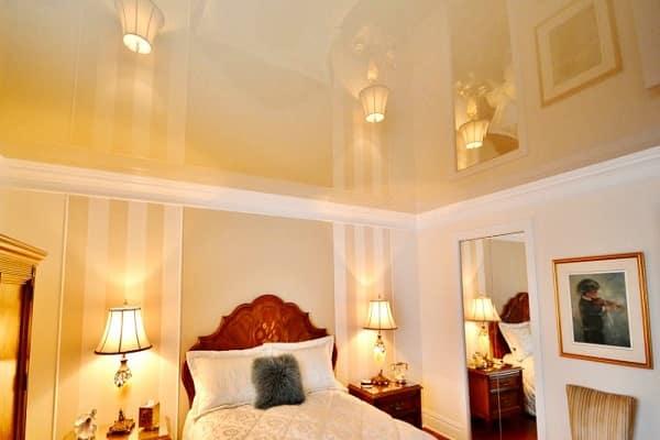 как выбрать цвет натяжного потолка: выбор расцветки полотна для спальни