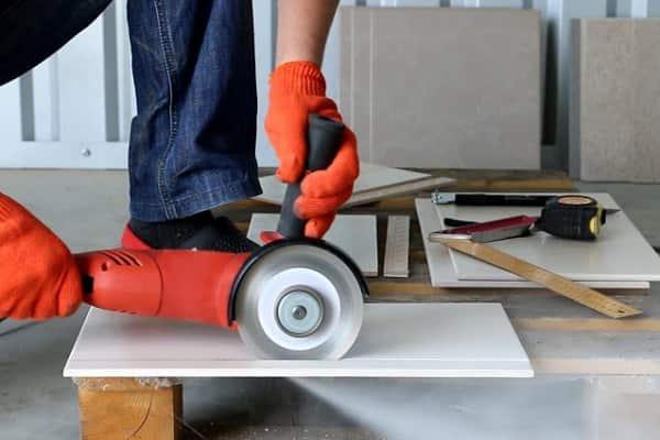 чем резать ламинат в домашних условиях должным образом
