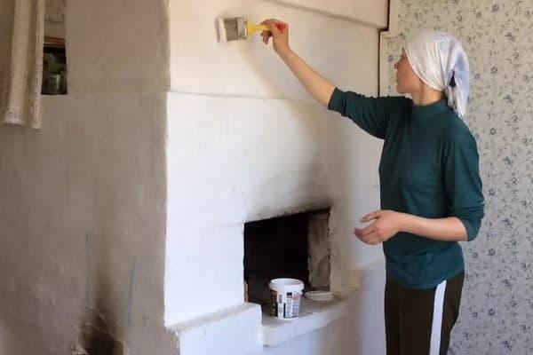 чем покрасить печь из кирпича в доме: особенности использования побелки