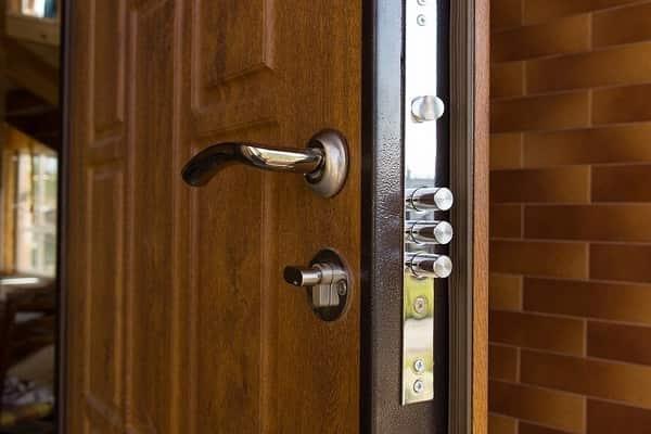 как выбрать металлическую дверь в дом