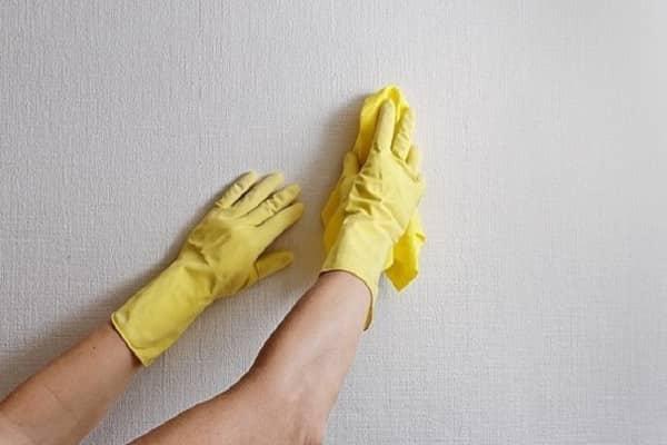 как убрать клей с обоев после высыхания без их повреждения