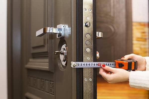 как выбрать металлическую дверь в дом: толщина полотна