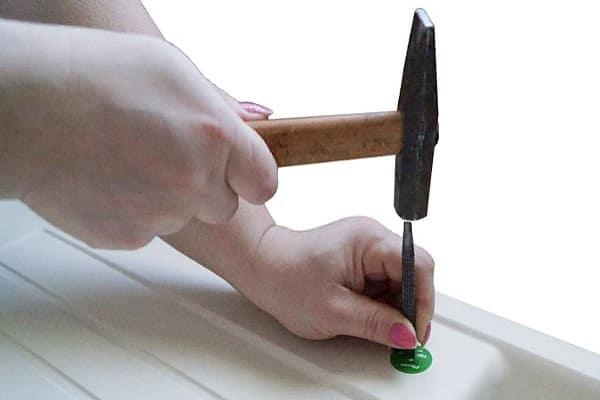 как просверлить мойку из искусственного камня: выбивание пробки