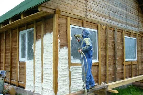 как утеплить дом из бруса снаружи своими руками пенополиуретаном должным образом