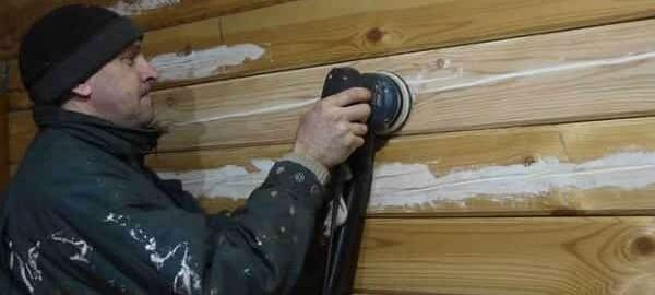 чем заделать щели в брусе дома