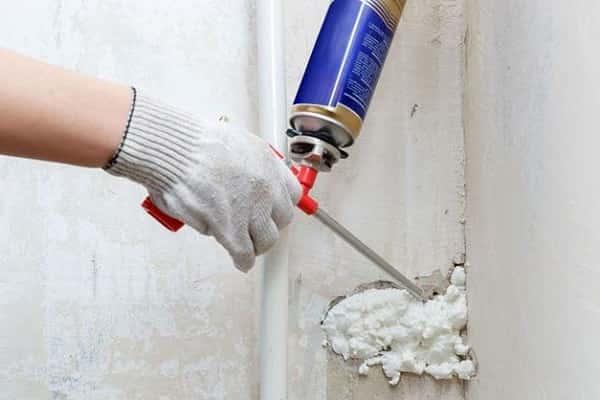 как заделать трещину в кирпичной стене дома: заделка повреждений монтажной пеной