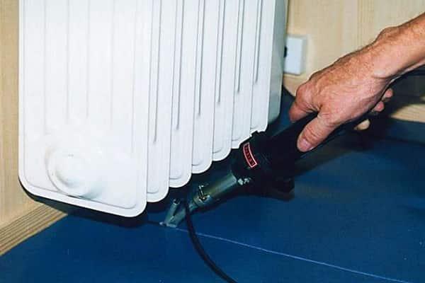как спаять линолеум в домашних условиях горячей сваркой