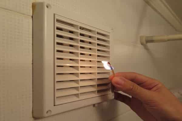 как сделать вентиляцию в ванной комнате: проверка тяги